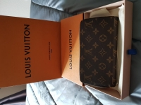 Louis vuitton wallet Zippy