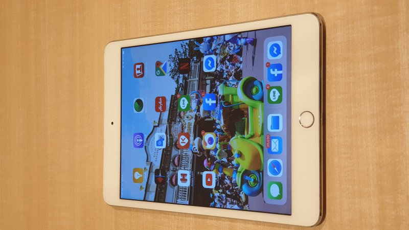 iPad mini 4 16g wifi cellular สีเงิน